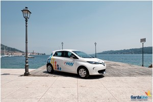 Video: E-Way il car sharing elettrico con Renault Zoe sul lago di Garda
